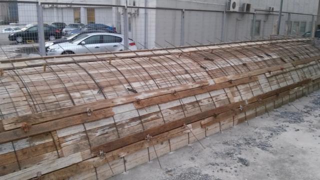 κατασκευή στεγάστρου για ράμπα αυτοκινήτων ουρά